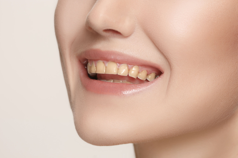 beautiful-and-healthy-woman-smile-close-up-P3LSRQH (1)